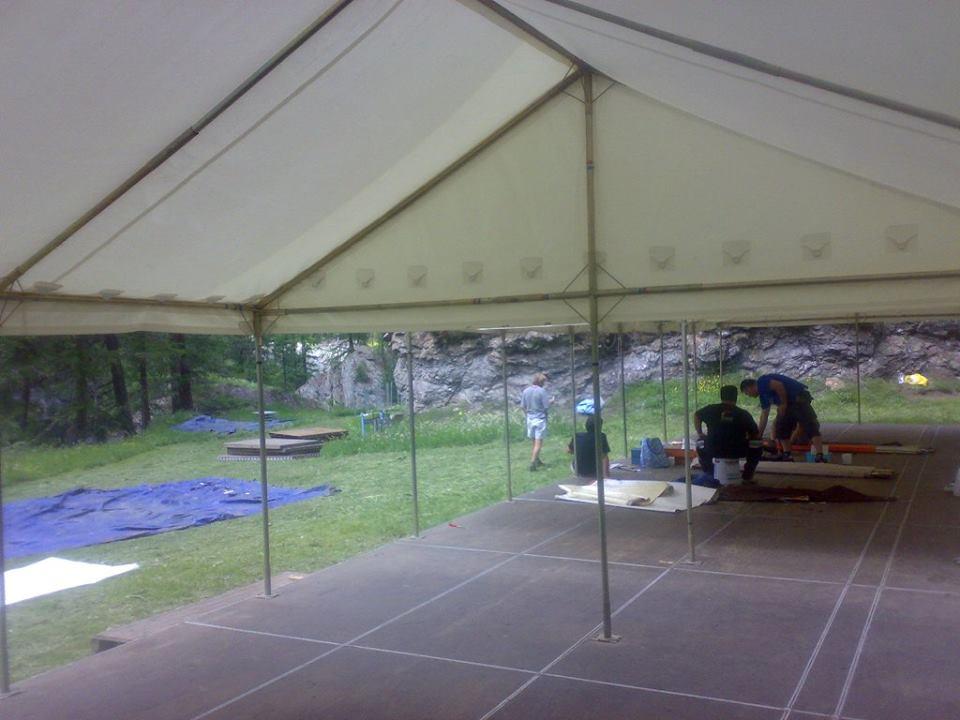 Montaggio del campeggio Viva la gente